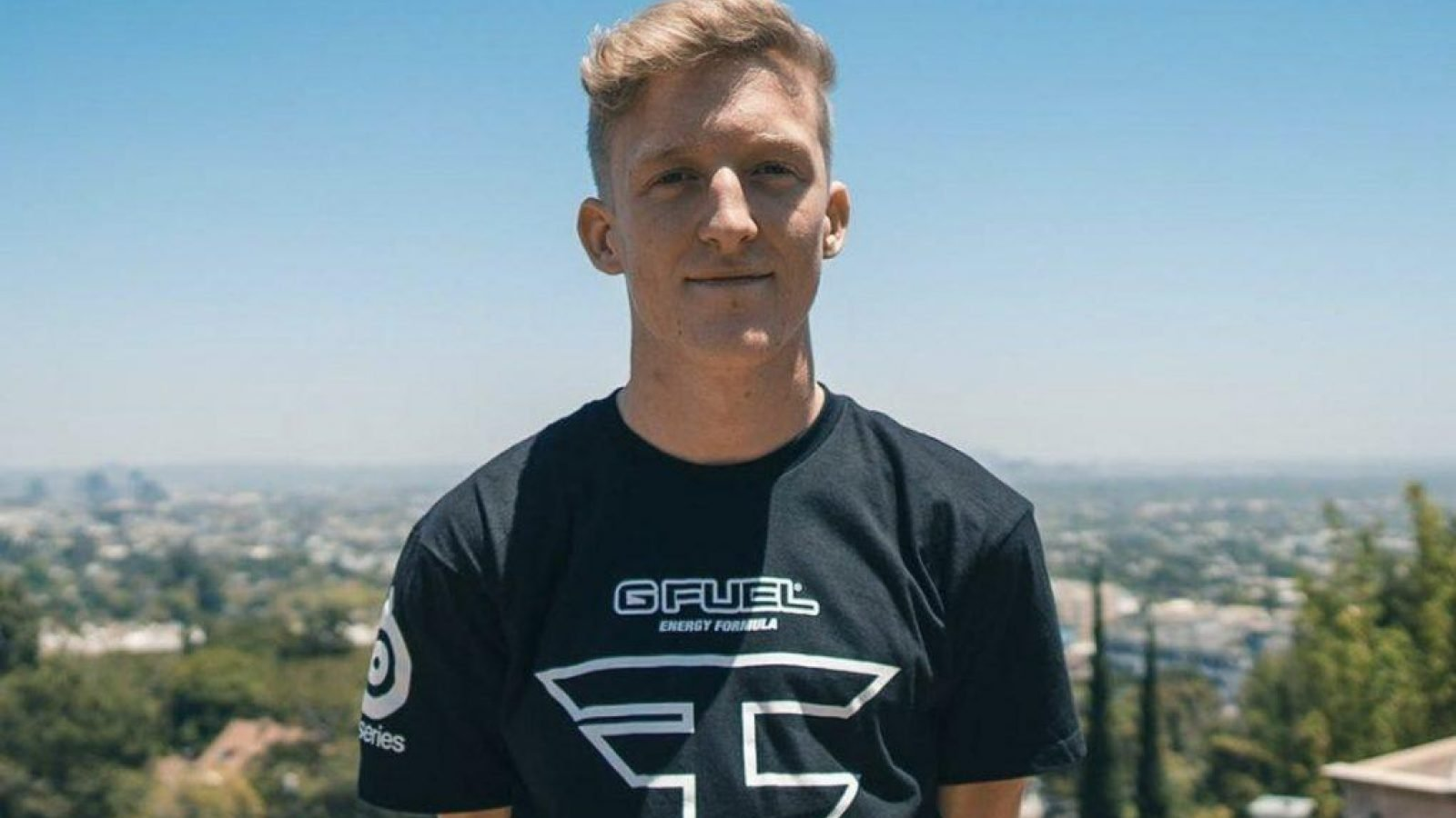 Owner FaZe Banks Responds on Twitter to Tfue Suing FaZe Clan