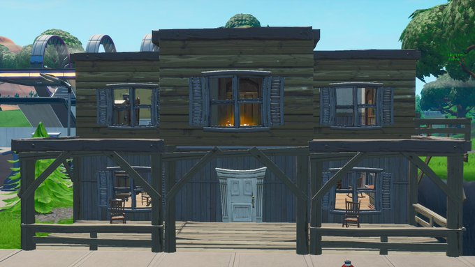 Fortnite v10.00 Adds A New Weapon And Tilted Town